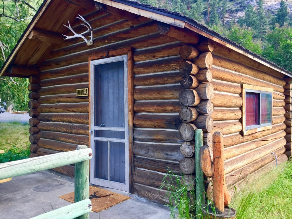 Valhalla Cabin – Ten Sleep Rock Ranch
